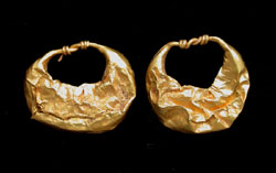 Earrings, Gold, Roman, matched pair, c. 200-300 AD