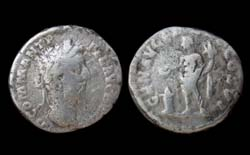Commodus Denarius, Genius Sacrificing